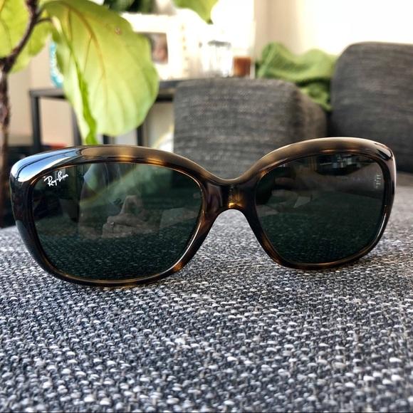 c46da67b183 Ray Ban Jackie Ohh RB4101 Tortoise Sunglasses. M 5adce98972ea88c3fdf6e8f8